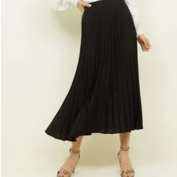 NWT Christopher & Banks Pleated Midi Skirt